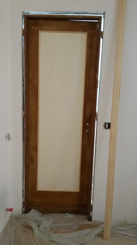 Foto da esempio su come svolgere i lavori di ristrutturazione porte